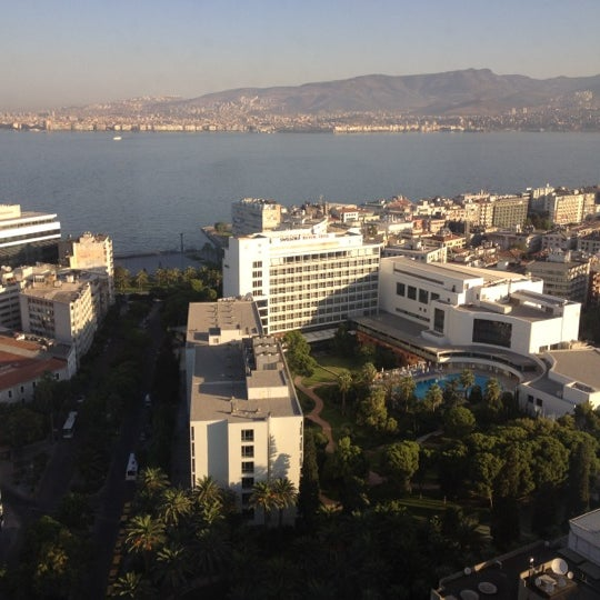 Photo taken at Hilton İzmir by Gozde O. on 8/24/2012