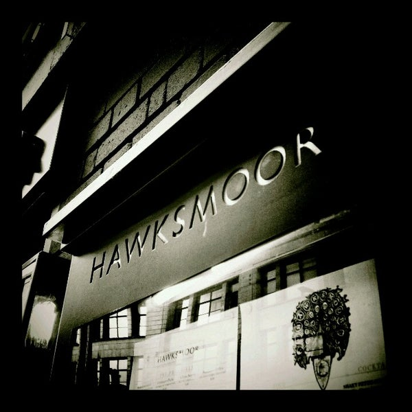 Photo taken at Hawksmoor Spitalfields by Rudi K. on 7/13/2012
