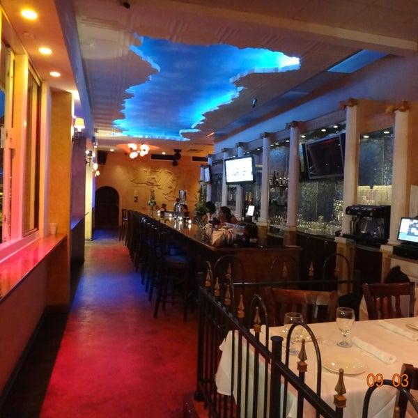 Bungalow Bar And Restaurant: Bungalow Restaurant & Lounge