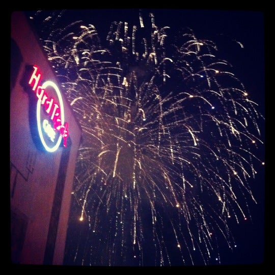 Photo taken at Hard Rock Cafe Nashville by Ashley E. on 7/5/2012