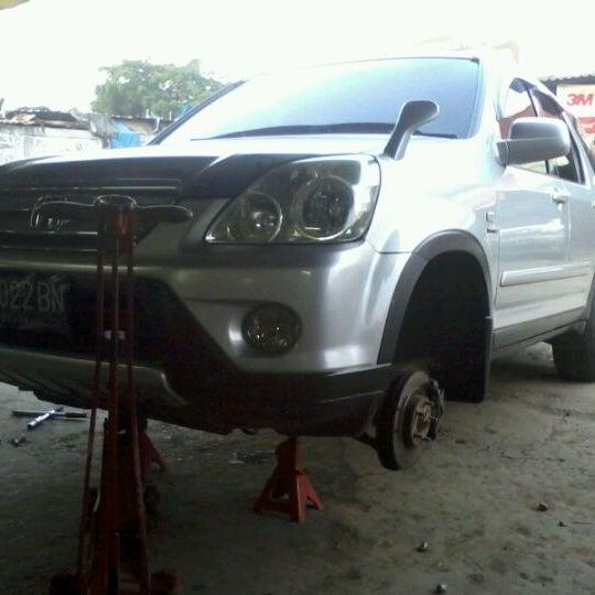 Photo taken at Pasar Mobil Kemayoran by Dinand C. on 4/13/2012