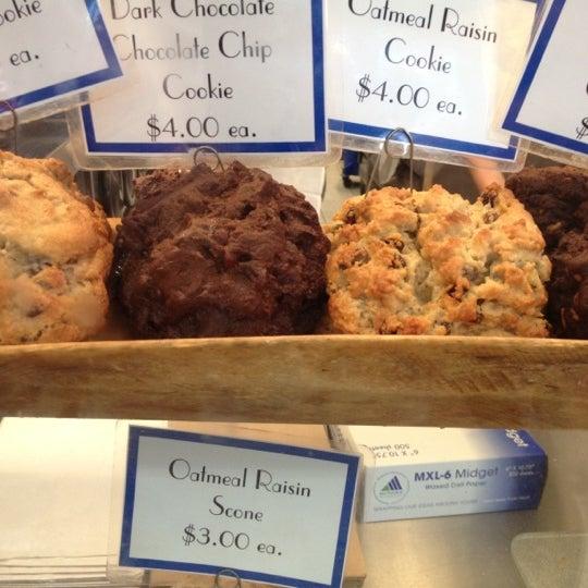 Photo taken at Levain Bakery by Fernando C. on 7/24/2012