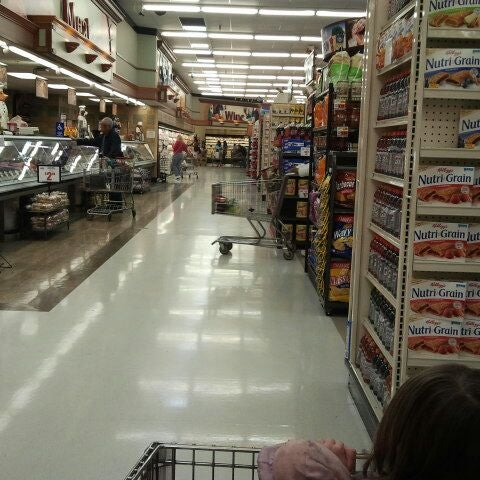 Photo taken at Stater Bros. by Market-Solution D. on 5/1/2012
