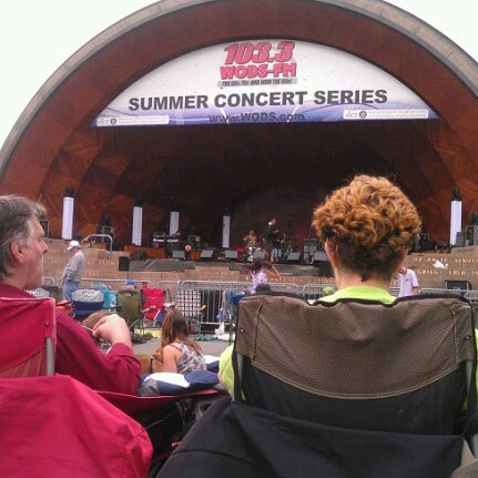 Photo taken at The Esplanade by Denise Z. on 6/16/2012