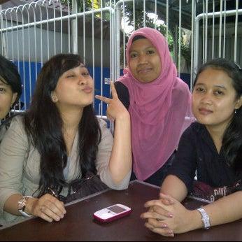 Photo taken at Pondok Bakmi Surabaya by Livonia N. on 2/8/2012