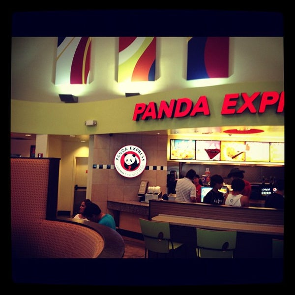 Photo taken at Panda Express by Enno d. on 8/10/2012