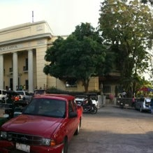 Photo taken at Maria Cristina Park by Tristan M. on 3/28/2012