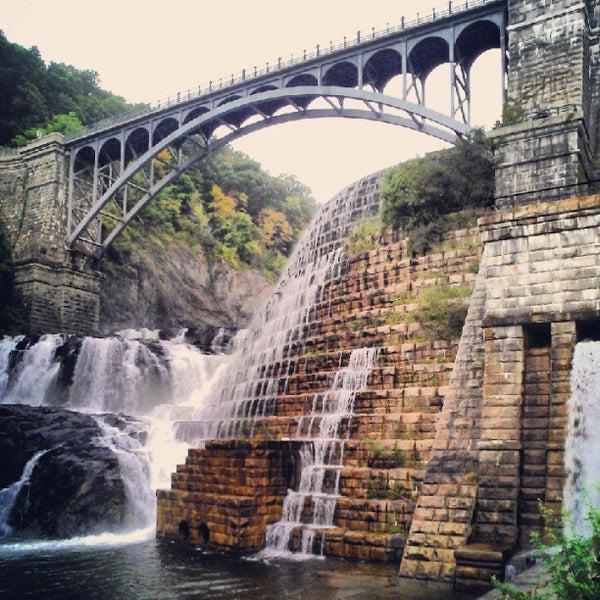 Photo taken at Croton Gorge Park by Milton on 9/4/2012