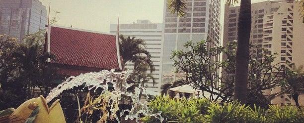 Photo taken at Windsor Suites Hotel Bangkok by Elaine Ö. on 2/15/2013