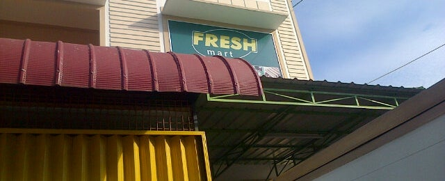 Photo taken at Fresh Mart by ierha w. on 4/20/2013