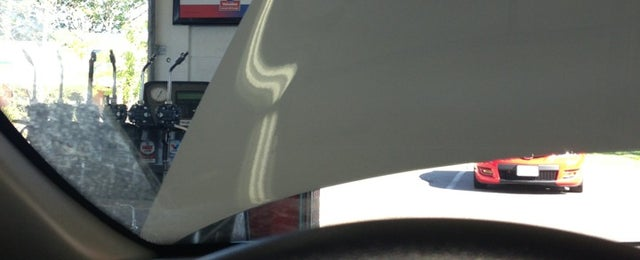 Photo taken at Valvoline Instant Oil Change by Kate M. on 6/5/2013