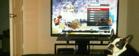 Photo taken at Madden 2011 by Edgar L. on 11/8/2011