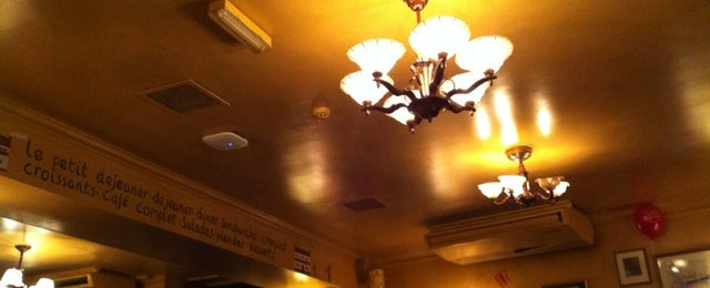 Photo taken at Café Rouge by Angie T. on 11/4/2011
