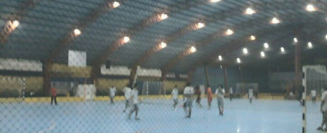 Photo taken at Gool Futsal Mangga Dua by Suryo P. on 12/13/2011