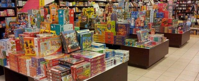 Photo taken at Renaud-Bray by Paloma on 6/16/2012