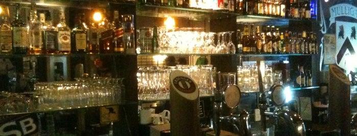 Mulligan Irish Pub is one of Comes.