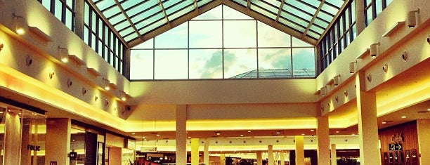 Shopping Iguatemi is one of Lugares....
