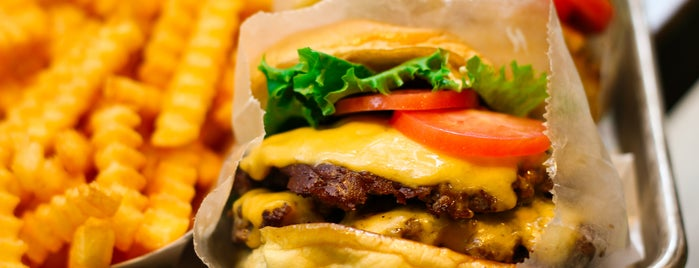 Shake Shack is one of D.C.'s Fast Food Style Burgs.