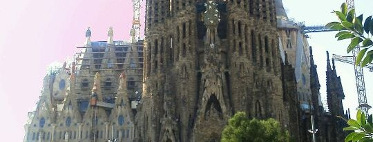 Sagrada Família is one of Maravillas del mundo.