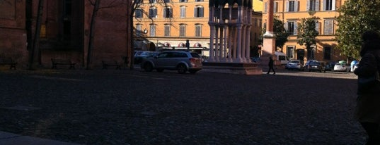 Piazza San Domenico is one of Piazze di Bologna.