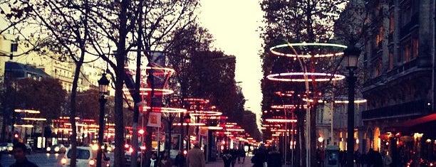 Avenue des Champs-Élysées is one of Paris City Badge - La Ville-Lumière.
