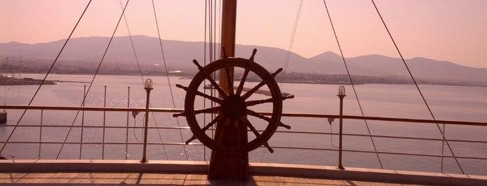 Ναυτικός Όμιλος Ελλάδος (Yacht Club of Greece) is one of Places.