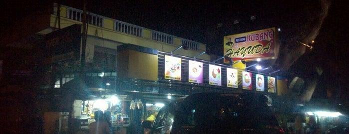 Restoran Kubang Hayuda is one of taplau,padang.