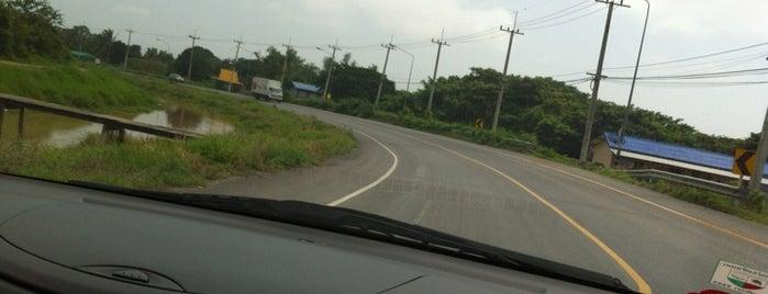 แยกโพธิ์เก้าต้น (Pho Kao Ton Intersection) is one of Bkk - Lopburi Way.