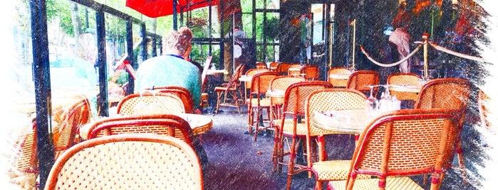 Au Métro is one of Wifi Cafés.