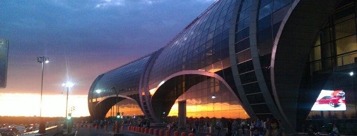 Международный аэропорт Домодедово / Domodedovo International Airport (DME) is one of Места.