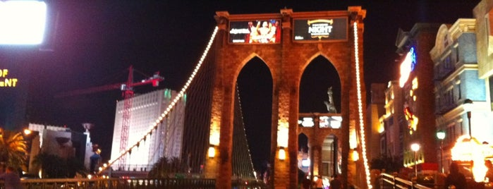 Brooklyn Bridge is one of Las Vegas.