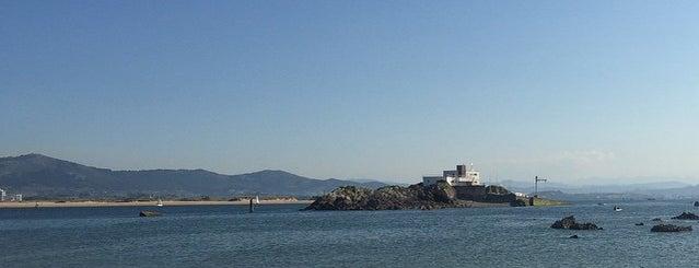 Playa De Los Biquinis is one of Santander.
