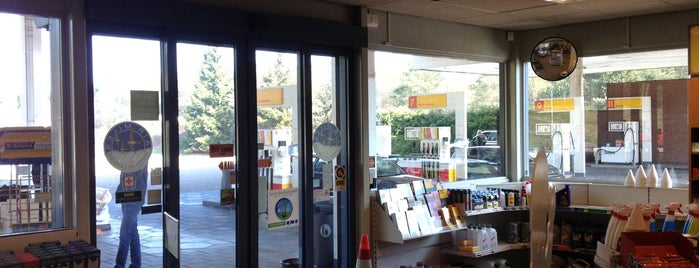Shell Lucasgat is one of Shell Tankstations.