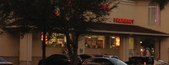Walgreens is one of Mis lugares más queridos !.