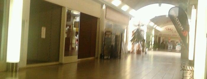 Triangolo Bevásárlóközpont is one of Veresegyház.