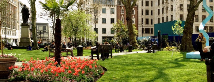Hanover Square is one of Summer in London/été à Londres.