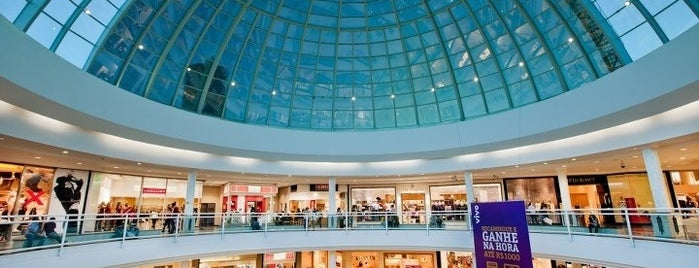 Flamboyant Shopping Center is one of Favoritos;*.