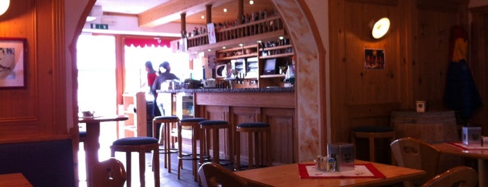 Bar Sport Paninoteca is one of FassaTour.