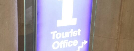 Oficina de Turisme is one of Oficinas de turismo.