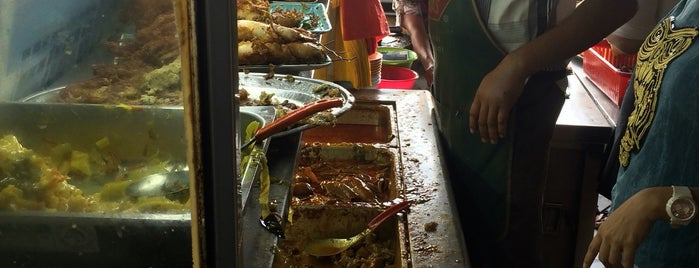 Restoran Kok Siong (海鲜大炒) is one of Must try food in Puchong.