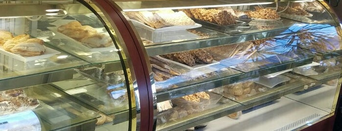 Le Foyer Baker is one of Tasty.
