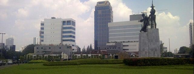 Patung Pahlawan (Tugu Tani) is one of Museum dan Monumen di Jakarta.