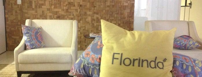 Dona Florinda E Famel is one of Clientes.