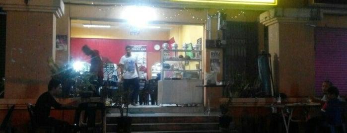 Sri Nina Kopitiam is one of Cafe & Kopitiam.