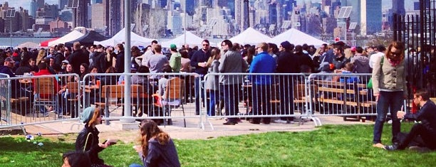 Smorgasburg Williamsburg is one of A New York City Minute! #NYCmustsee4sq.