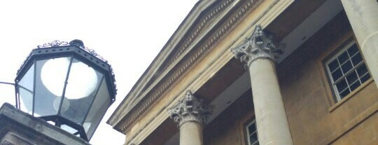 Apsley House is one of LDN.