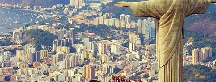 Christ the Redeemer is one of Carioca Badge.