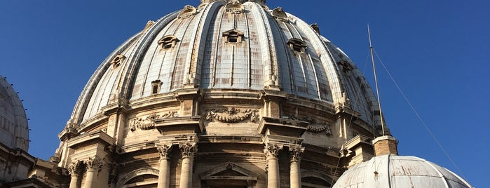 Necropoli Vaticana is one of l'amore [a Roma] dice ciao.
