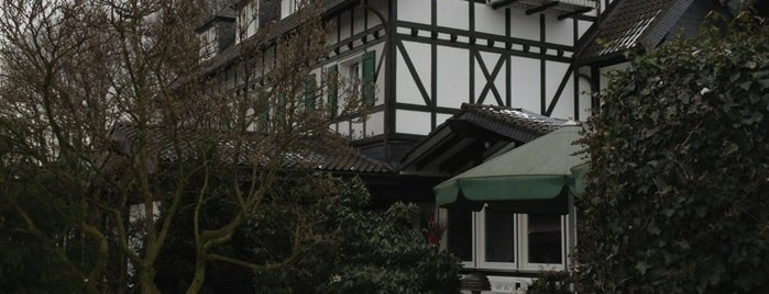 Romantikhotel Gravenberg is one of Langenfeld (Rheinland).