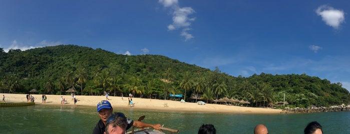 Cù Lao Chàm (Cham Island) is one of du lịch - lịch sử.